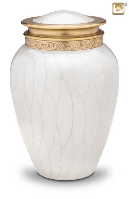 https://grafdecoratie.nl/photos/Blessing-urn-LoveUrns-messing-urnen-Urnwebshop-HU290.JPG