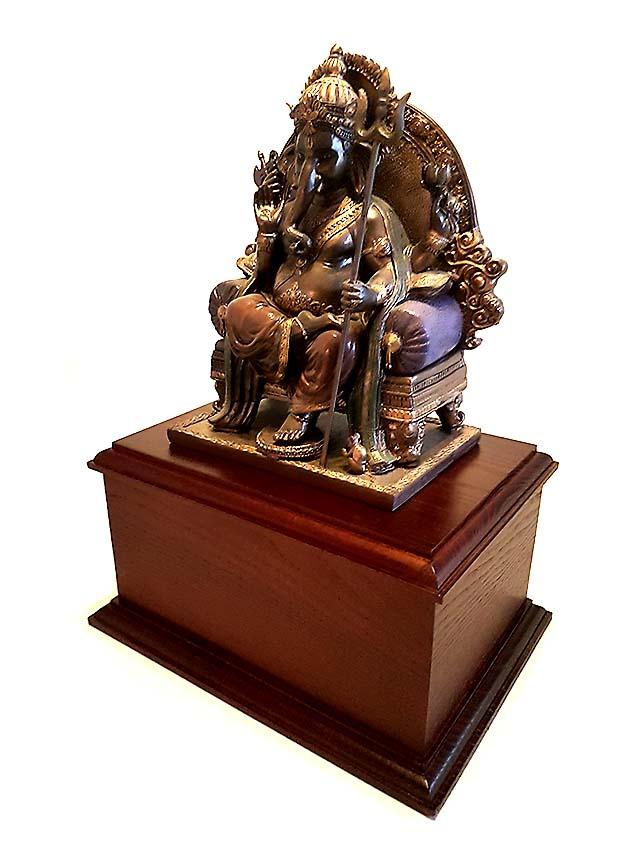 Bronzen Ganesh Beeld op Hardhouten As-box (2.4 of 3 liter)