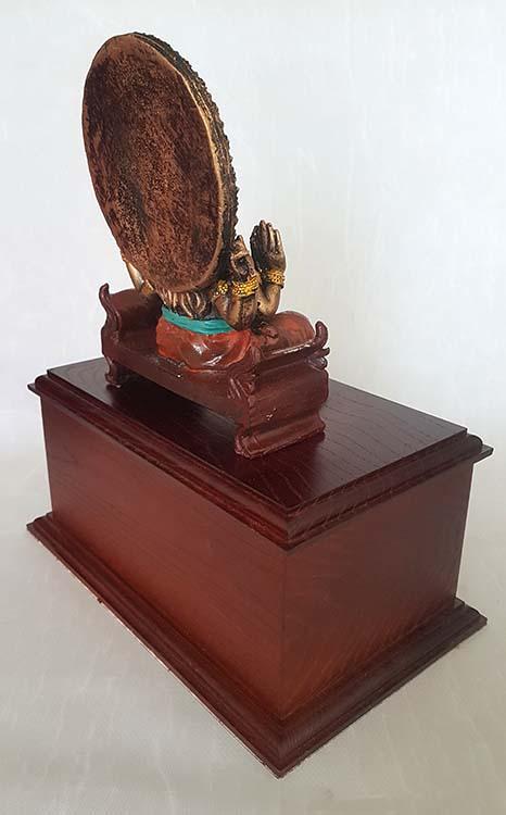 Dierenurn Ganesh Beeld op Hardhouten As-sokkel (3 liter)