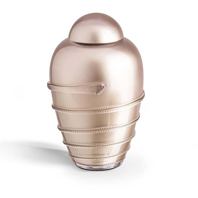 https://grafdecoratie.nl/photos/Grote-glazen-urn-kristal-urnen-U056A.JPG