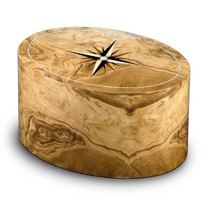 https://grafdecoratie.nl/photos/Houten-urn-ovaal-olijf-Roma-windroos-URRRV01L.JPG