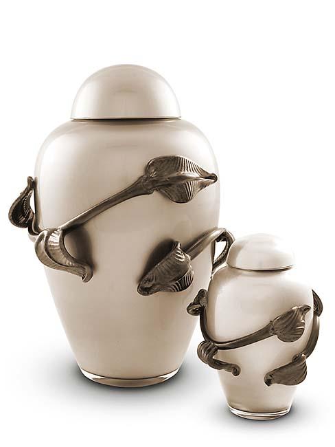 https://grafdecoratie.nl/photos/Kleine-glazen-urn-kristal-urnen-U154A.JPG