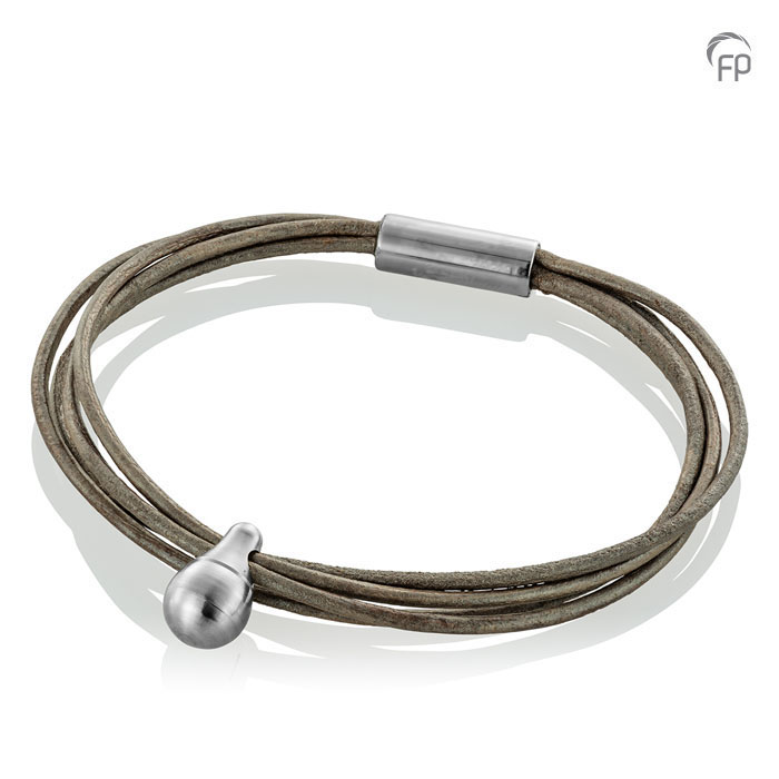 Oysterkleurige Lederen Charm Spangen Armband, RVS Asruimte