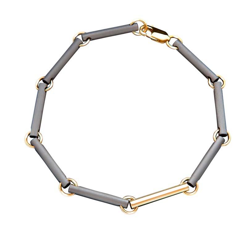 https://grafdecoratie.nl/photos/TW-410TG-gouden-titanium-dames-as-armband-met-asruimte.JPG