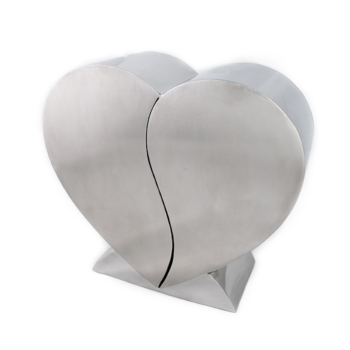 https://grafdecoratie.nl/photos/Two-Hearts-Together-Urn-Medium-URN0007M.JPG