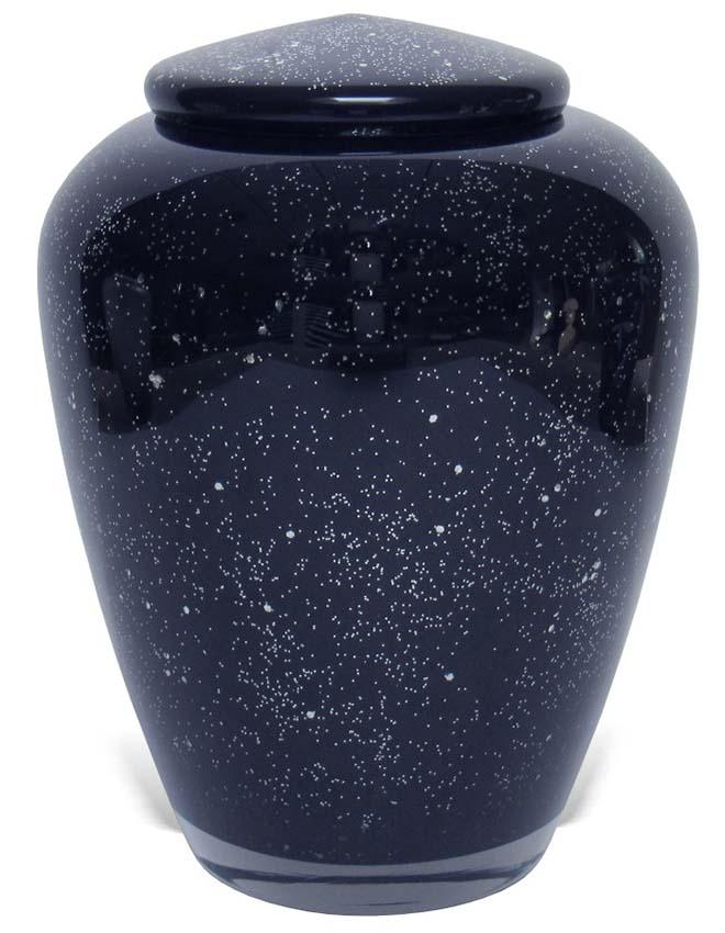 https://grafdecoratie.nl/photos/Uver2-glazen-Manzini-urn-donkerblauw-zilveren-sterrenhemel.jpg