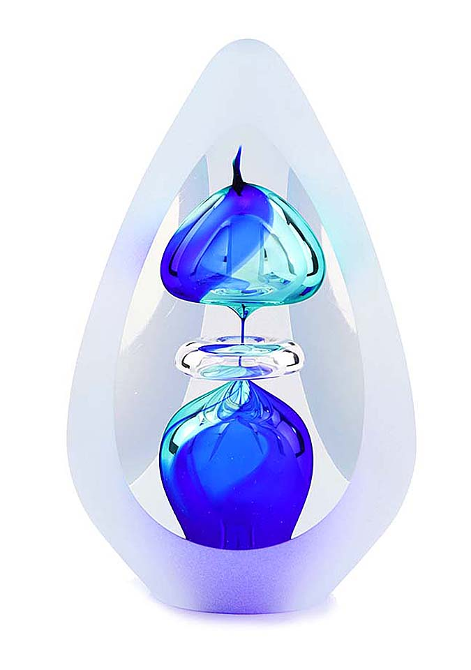 https://grafdecoratie.nl/photos/as-ornament-premium-glazen-urn-Orion-Blue-big.JPG