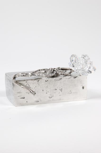 https://grafdecoratie.nl/photos/asbeeld-kleine-urn-miniurn-Everlasting-love-9x5x6cm-rechthoekig-zilvertin-ABNL70065.JPG