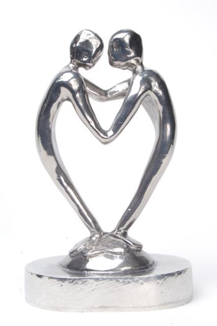 https://grafdecoratie.nl/photos/asbeeld-kleine-urn-miniurn-door-het-hart-verbonden-22cm-zilvertin-ABNL70049.JPG