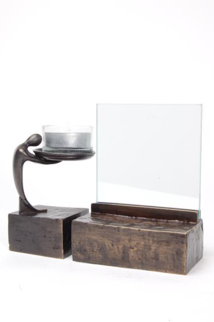 https://grafdecoratie.nl/photos/asbeeld-kleine-urn-miniurn-fotolijst-2delig-verbronsd-ABNL70082.JPG