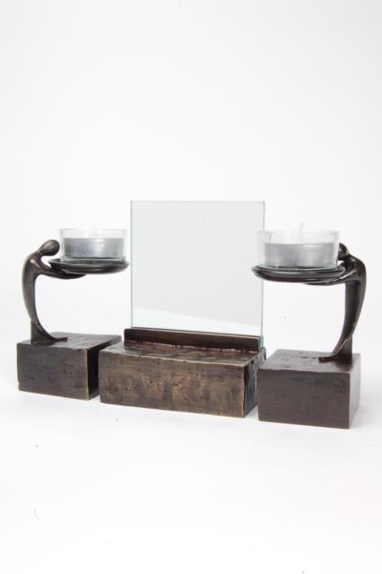 https://grafdecoratie.nl/photos/asbeeld-kleine-urn-miniurn-fotolijst-3-delig-verbronsd-ABNL70080.JPG