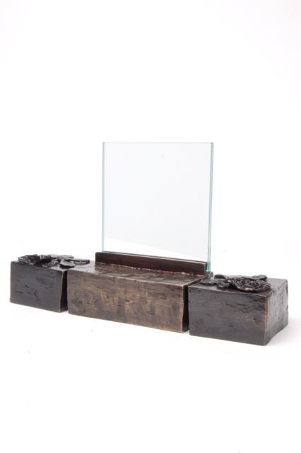 https://grafdecoratie.nl/photos/asbeeld-kleine-urn-miniurn-fotolijst-effen-roos-3delig-verbronsd-ABNL70066.JPG