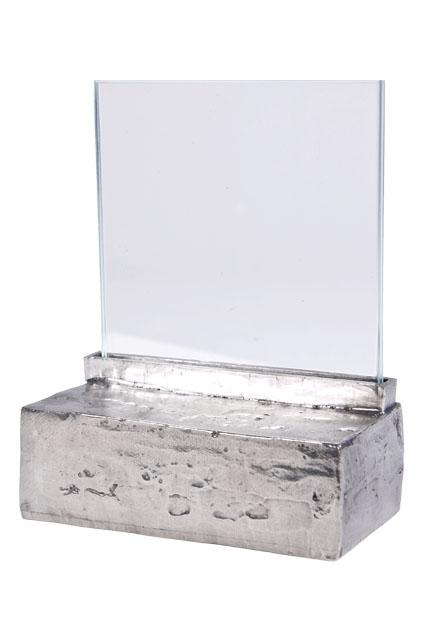 https://grafdecoratie.nl/photos/asbeeld-kleine-urn-miniurn-fotolijst-effen-zilvertin-ABNL70069.JPG