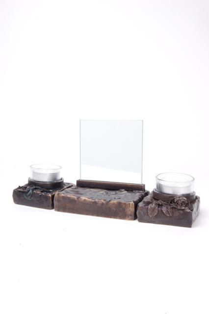 https://grafdecoratie.nl/photos/asbeeld-kleine-urn-miniurn-fotolijst-roos-kaars-effen-3delig-verbronsd-ABNL70072.JPG