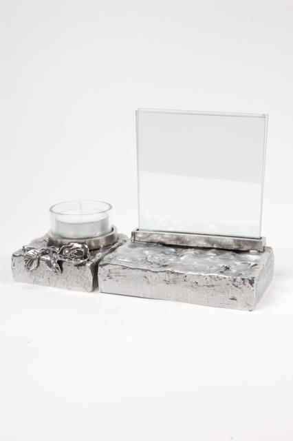 https://grafdecoratie.nl/photos/asbeeld-kleine-urn-miniurn-fotolijst-ruw-roos-2delig-zilvertin-ABNL70075.JPG