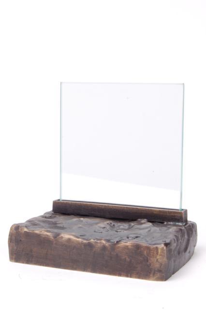 https://grafdecoratie.nl/photos/asbeeld-kleine-urn-miniurn-fotolijst-ruw-verbronsd-ABNL70076.JPG