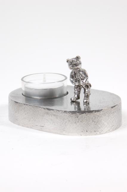 https://grafdecoratie.nl/photos/asbeeld-kleine-urn-miniurn-mijn-teddybeer-ovaal-zilvertin-ABNL70085.JPG