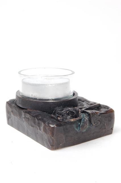 https://grafdecoratie.nl/photos/asbeeld-kleine-urn-miniurn-roos-ruw-rechthoekig-waxine-verbronsd-ABNL70078.JPG