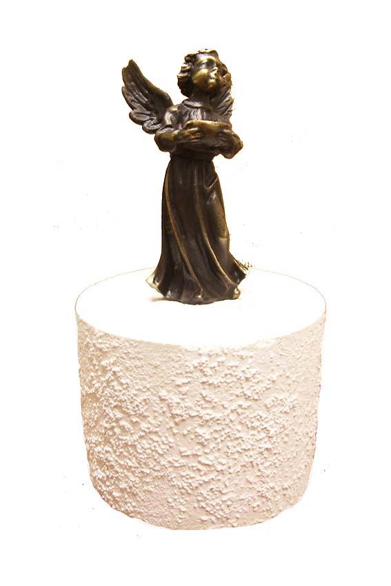 https://grafdecoratie.nl/photos/asbeeld-kleine-urn-miniurn-verbronsd-MA00629URN.jpg