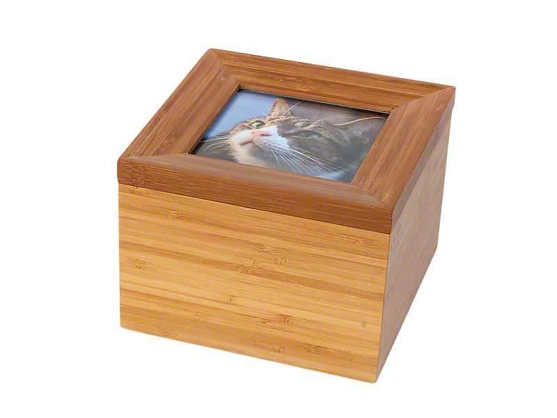 https://grafdecoratie.nl/photos/dieren-fotolijst-urn-Tribute-Memorybox-PB-TRI3B.JPG