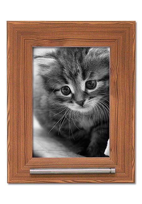 https://grafdecoratie.nl/photos/fotolijst-urn-portret-dierenurn-fotolijst-met-askader-53GH3A13.jpg