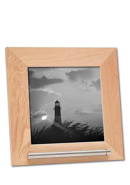 https://grafdecoratie.nl/photos/fotolijst-urn-portret-urn-fotolijst-met-askader-45KJ1A1313.jpg