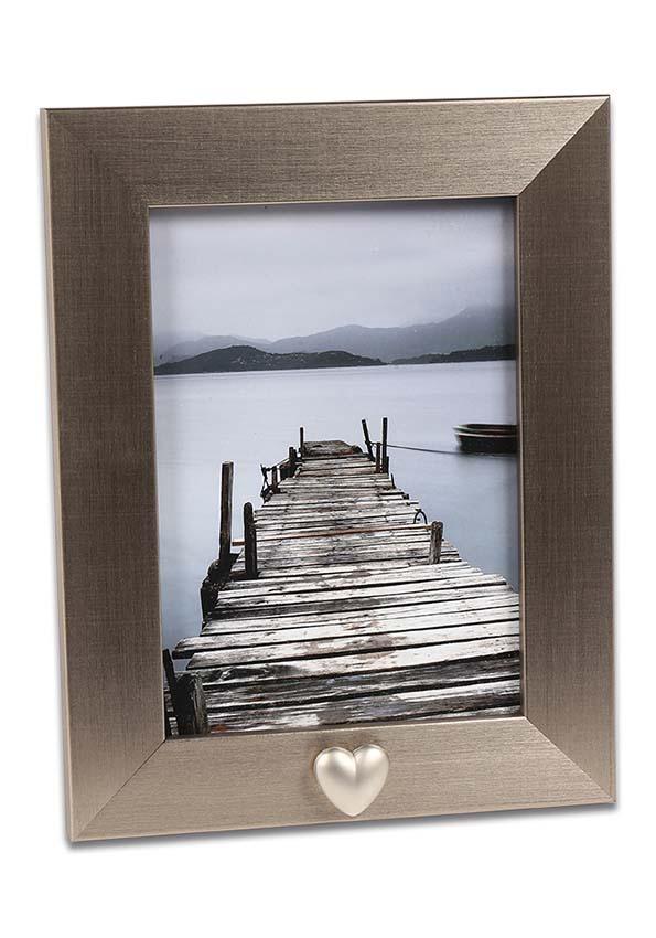 https://grafdecoratie.nl/photos/fotolijst-urn-portret-urn-fotolijst-met-askader-FKS42PDA13.jpg