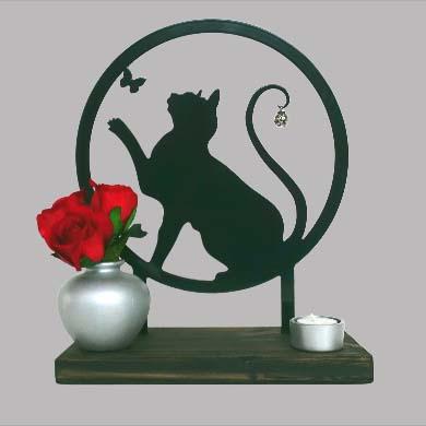 Staand Huisaltaar Speelse Kat Zwart of Wit (28 cm.)