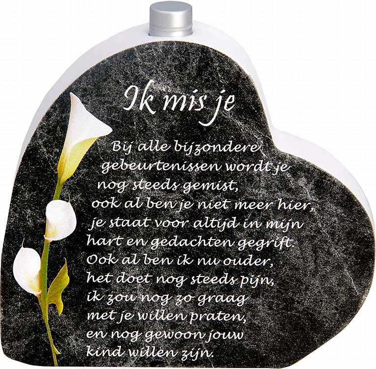 Houten Gedenkhart met Asbuisje en gedicht Liefde (0.015 liter)