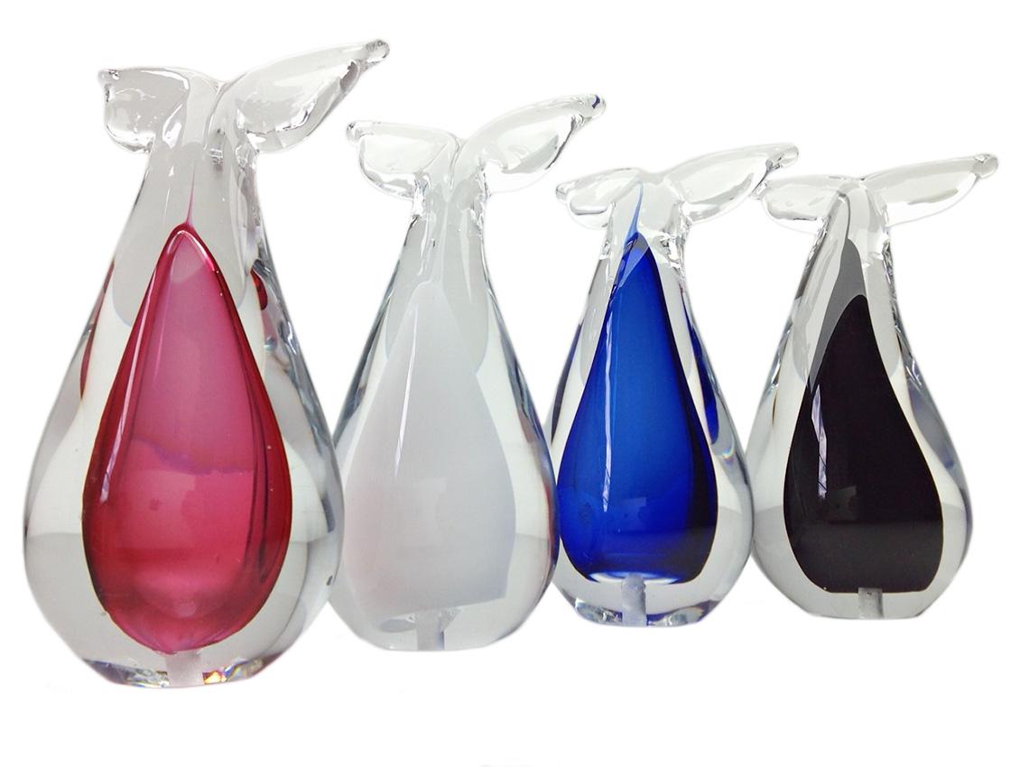 https://grafdecoratie.nl/photos/glazen-mini-Whaletale-urn-kristal-mini-urnen-ERU23WT.JPG