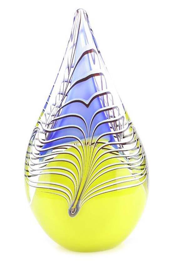https://grafdecoratie.nl/photos/glazen-traanurn-kristal-urnen-ERU03LBLG.jpg