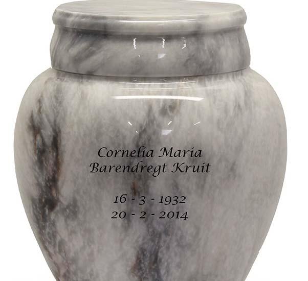 https://grafdecoratie.nl/photos/gravure-marmeren-urn-urnen-urnwebshop02.JPG