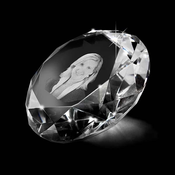 Kristalglas Diamant met Lasergravure (8 cm.)