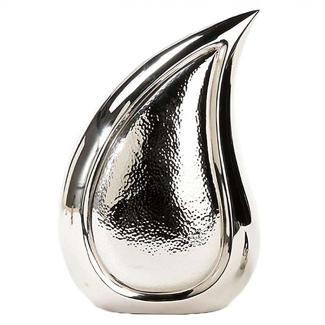 https://grafdecoratie.nl/photos/grote-messing-teardrop-urn-gehamerd zilver-zilver-UG-820A.JPG