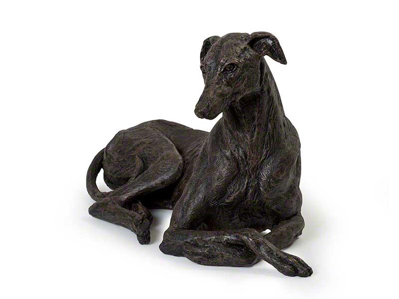 Hondenurn of Asbeeld Liggende Greyhound (ca. 2 liter)