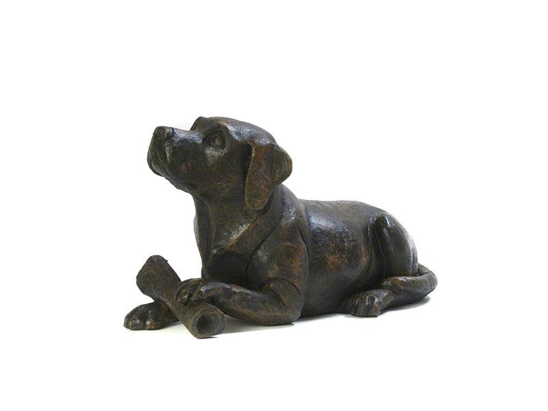 https://grafdecoratie.nl/photos/honden-urn-asbeeld-Hond-Met-Bot-03.jpg