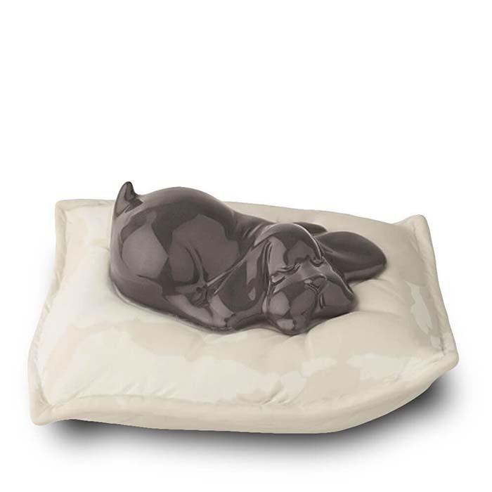 Bruine Urn Slapende Hond op Kussen (0.8 liter)