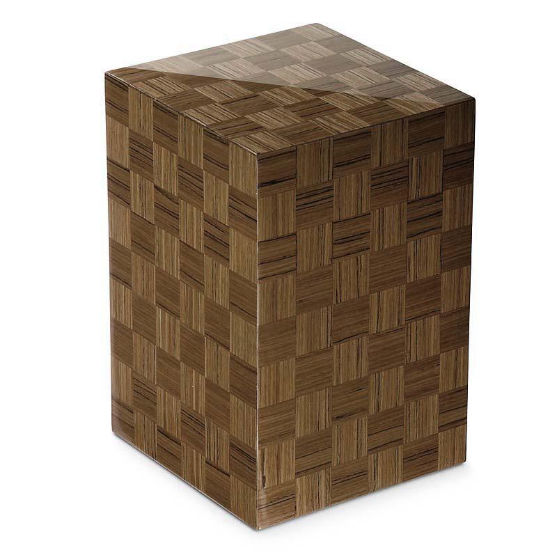 https://grafdecoratie.nl/photos/houten-designurn-rechthoekig-Hazelnoot-Scacchiera-Nocciolo-URVSC53L.JPG
