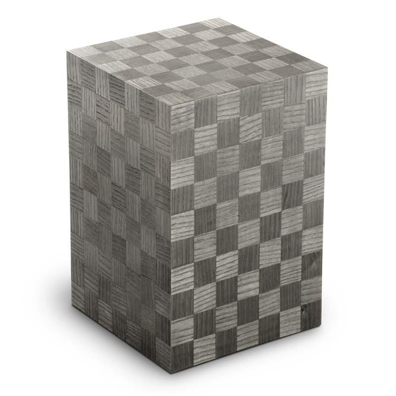https://grafdecoratie.nl/photos/houten-designurn-rechthoekig-grijs-Scacchiera-Grafite-URVSC05P.JPG