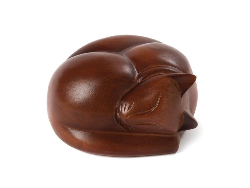 https://grafdecoratie.nl/photos/houten-katten-urn-slapend-katje-03.jpg