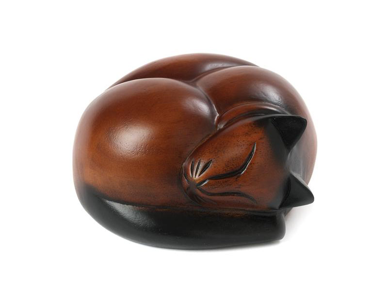 https://grafdecoratie.nl/photos/houten-katten-urn-slapend-katje-04.jpg