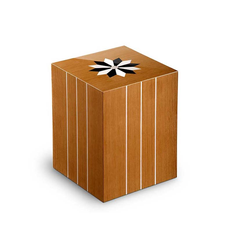 https://grafdecoratie.nl/photos/houten-rechthoekige-urn-Windroos-Teak-URCRV03L.JPG