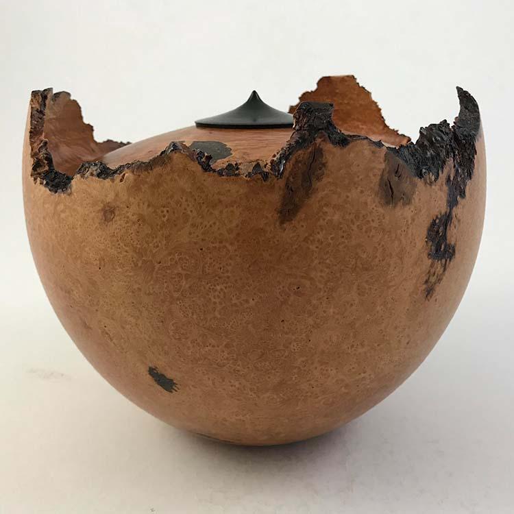 Herinneren in Hout Urn uit Bruyere (2.5 liter)