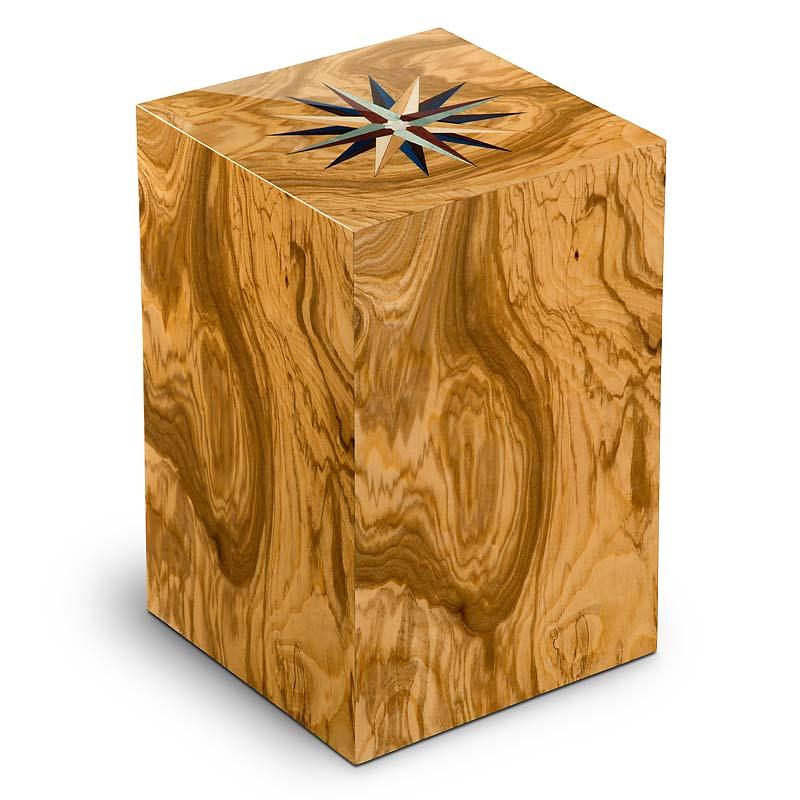https://grafdecoratie.nl/photos/houten-urn-Rechthoekige-olijf-Essential-windroos-URVRV01L.JPG