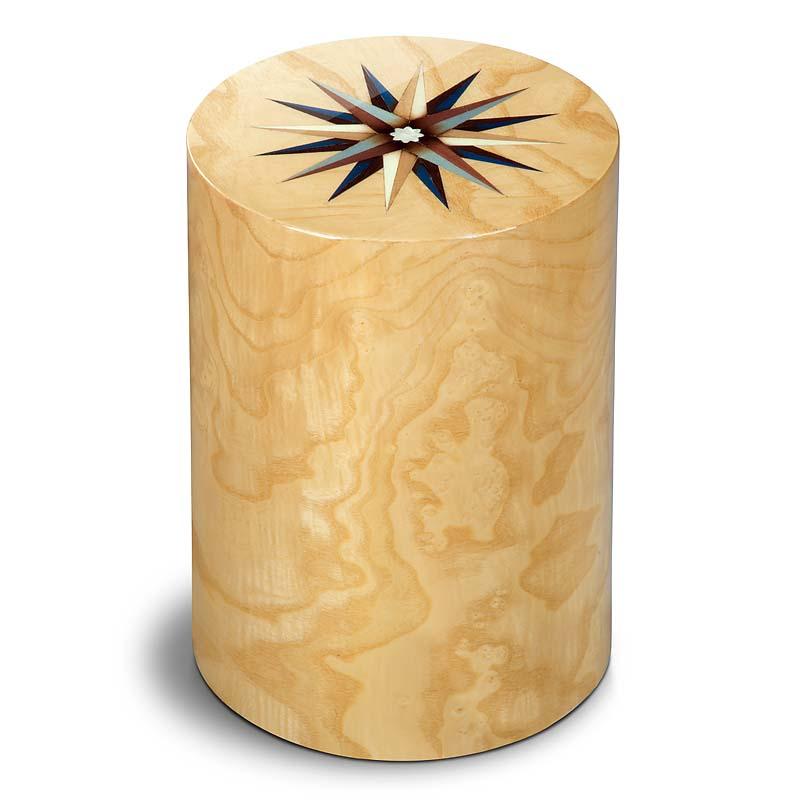 https://grafdecoratie.nl/photos/houten-urn-cilinder-olijf-pisa-windroos-URPXX53L.JPG