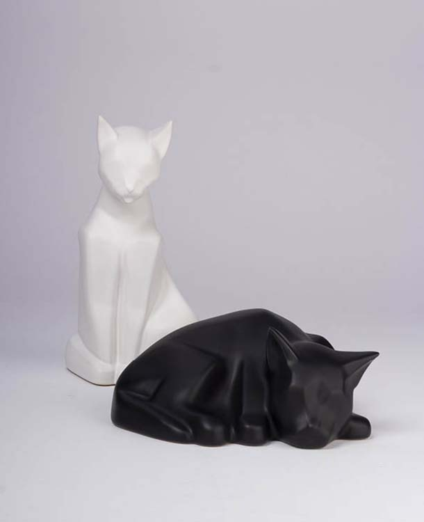 Liggende Kattenurn Blacky Matzwart (0.5 liter)