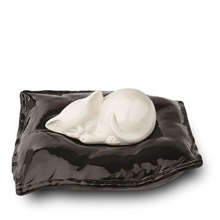 Witte Urn Slapend Katje op Kussen (0.8 liter)