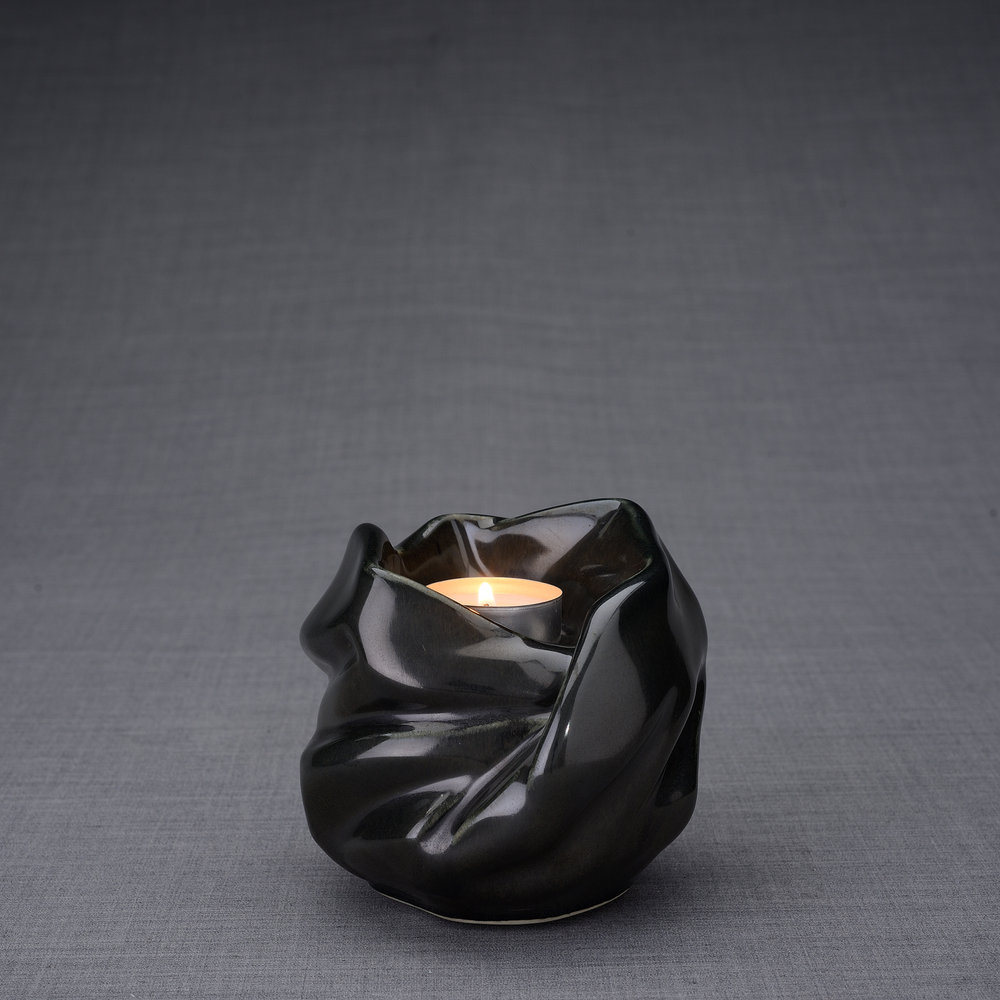 Keramische Mini Urn Holy Mother Black Gloss (0.48 liter)