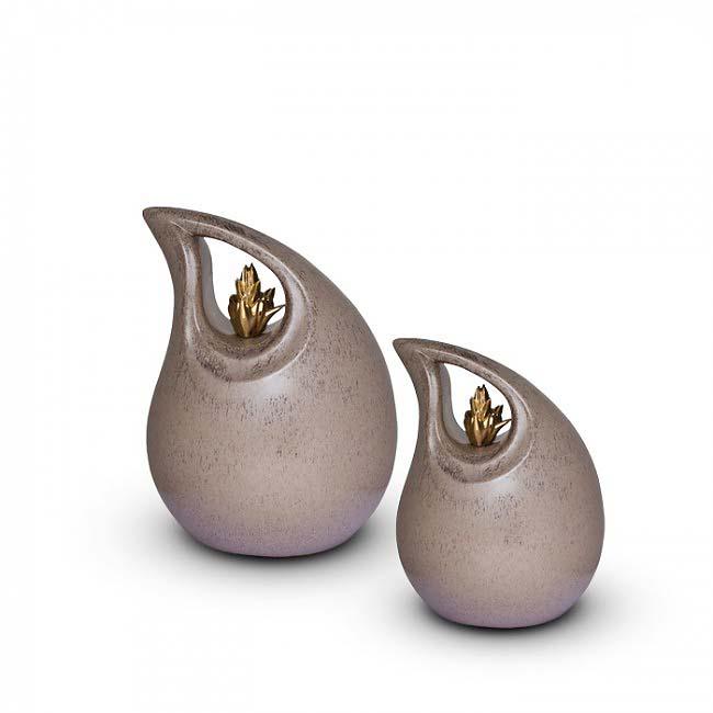 https://grafdecoratie.nl/photos/keramische-urn-urnen-keramiek-KU005S.JPG