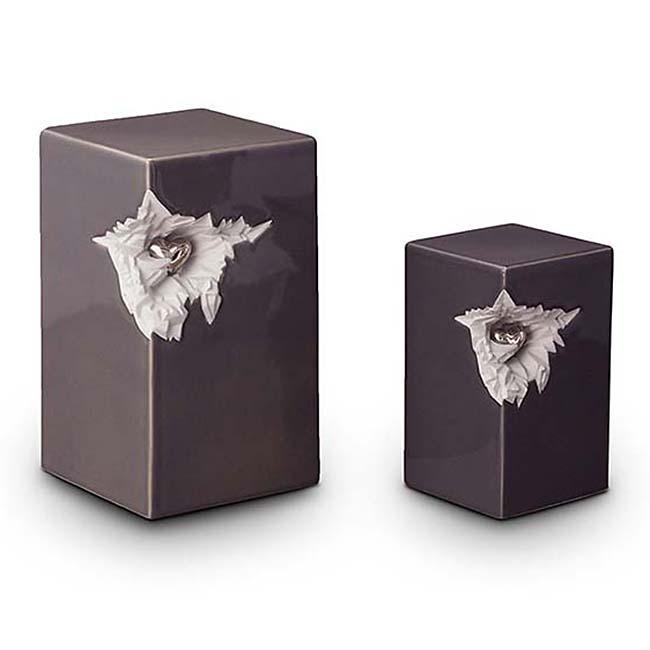 Kleine Keramische Urn Shiney Grey, Zilver Hart (1.5 liter)